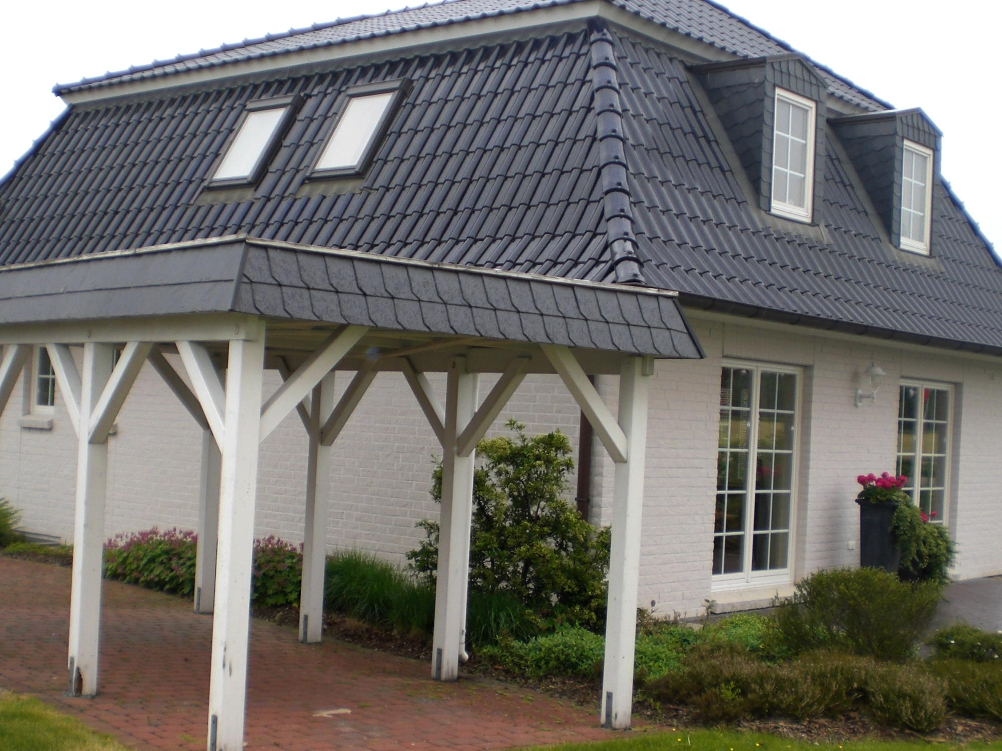 Schwarze Fassade fassade archive schindeln dachziegel fassadenplatten aus kunststoff